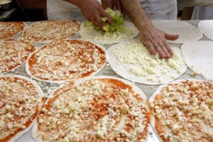 I've read that the best pizza is in Sicily... wait for me!