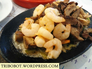 Trio Fajitas (beef, shrimp and chicken combi)